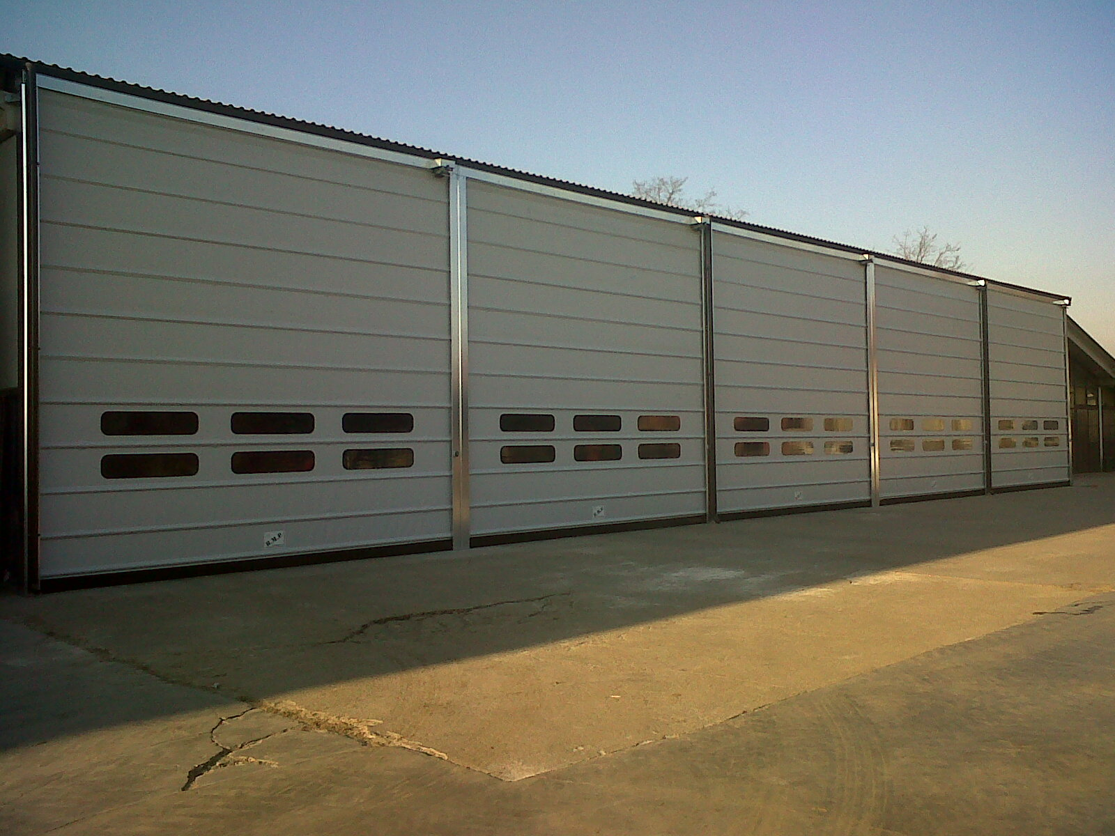 Ulti Fold Rapid Acting Door for Large Openings (4)